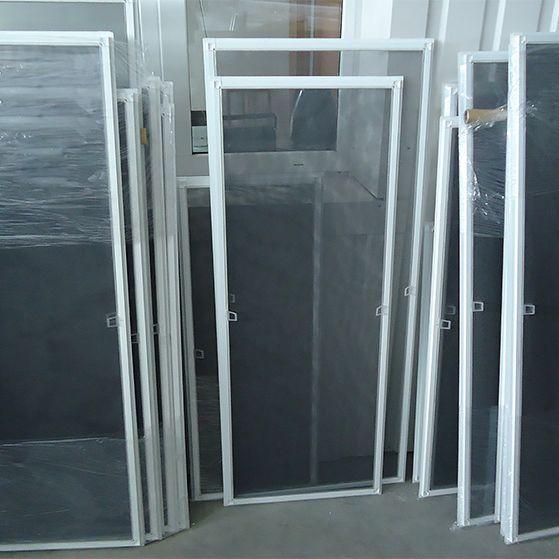 Какие бывают москитные сетки для пластиковых окон?